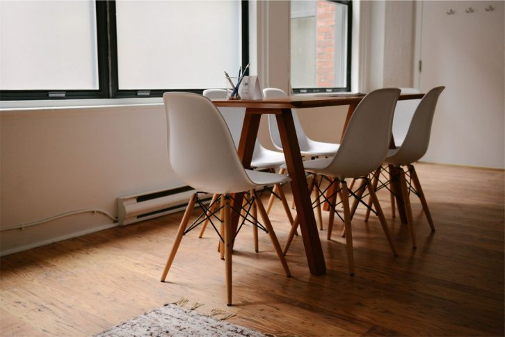 chairs-home-meeting-4428