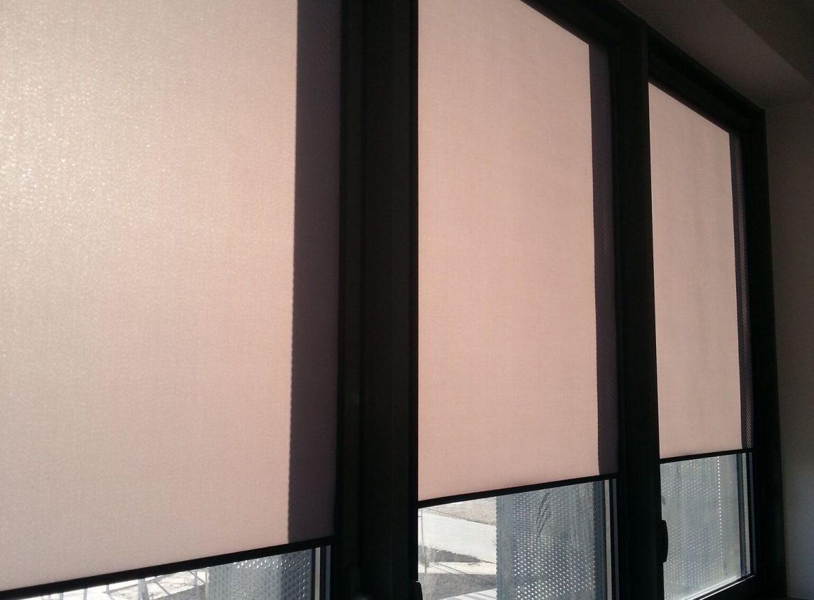Okna trzyszybowe irolety zprowadnicami