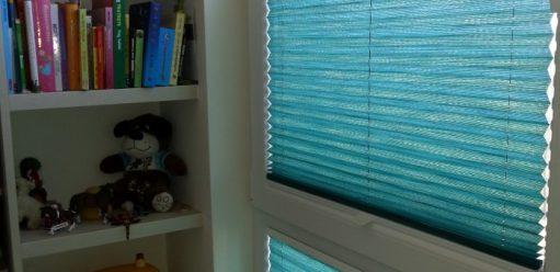 Jakie osłony okienne dopokoju ucznia