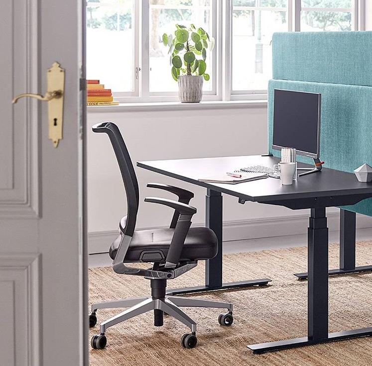 Ergonomiczny fotel dobiurka – dlaczego jest takważny?