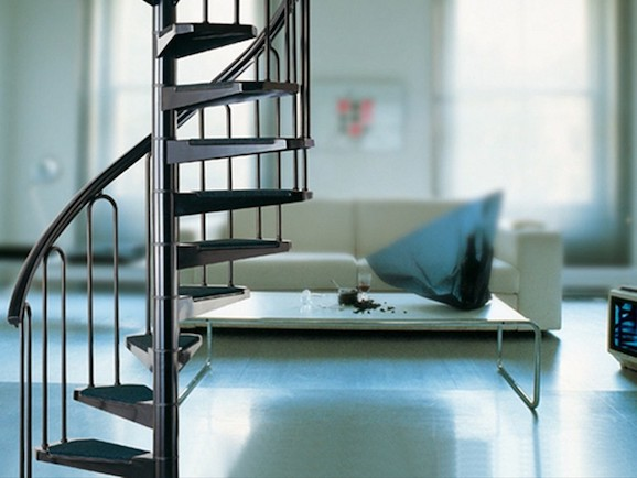 Jak wybierać schody donaszego domu?