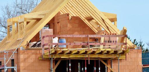 Budujesz dom? Zobacz jak zabezpieczyć go przedzimą