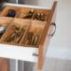 Organizery kuchenne kluczem doergonomicznej organizacji przestrzeni wszafkach
