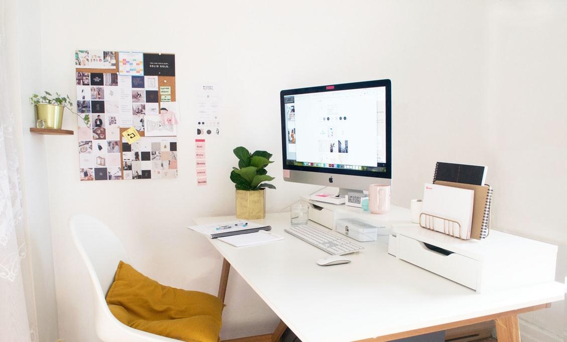 Najważniejsze elementy, które powinny znaleźć się nadziecięcym biurku