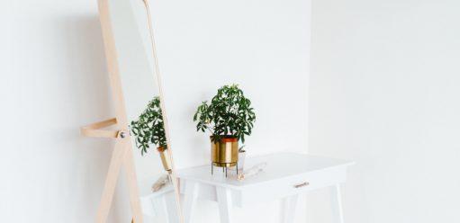 Jak wybrać najlepsze lustro doprzedpokoju?