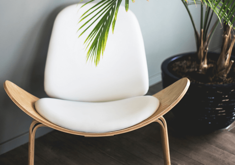 Meble DIY – jak wszybki sposób odświeżyć stare komody iszafki?