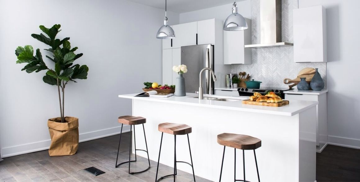 Jak wybrać odpowiedni stół barowy?