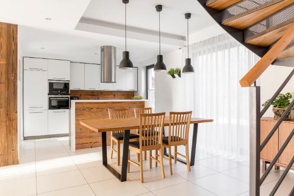 Salon zjadalnią – jaki stół ikrzesła umieścić wtakim pomieszczeniu?