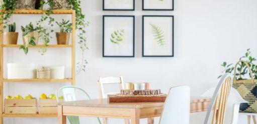 Jak dopasować krzesła dodrewnianego stołu? Poradnik