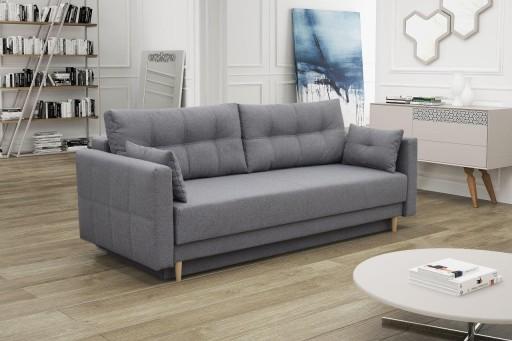 powierzchnia spania namałej sofie