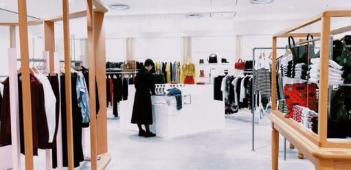 Lampa kula dostylowego butiku odzieżowego – jak wybrać najlepszą?