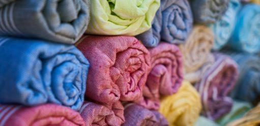 Czym się kierować przy wyborze tkaniny domebli?