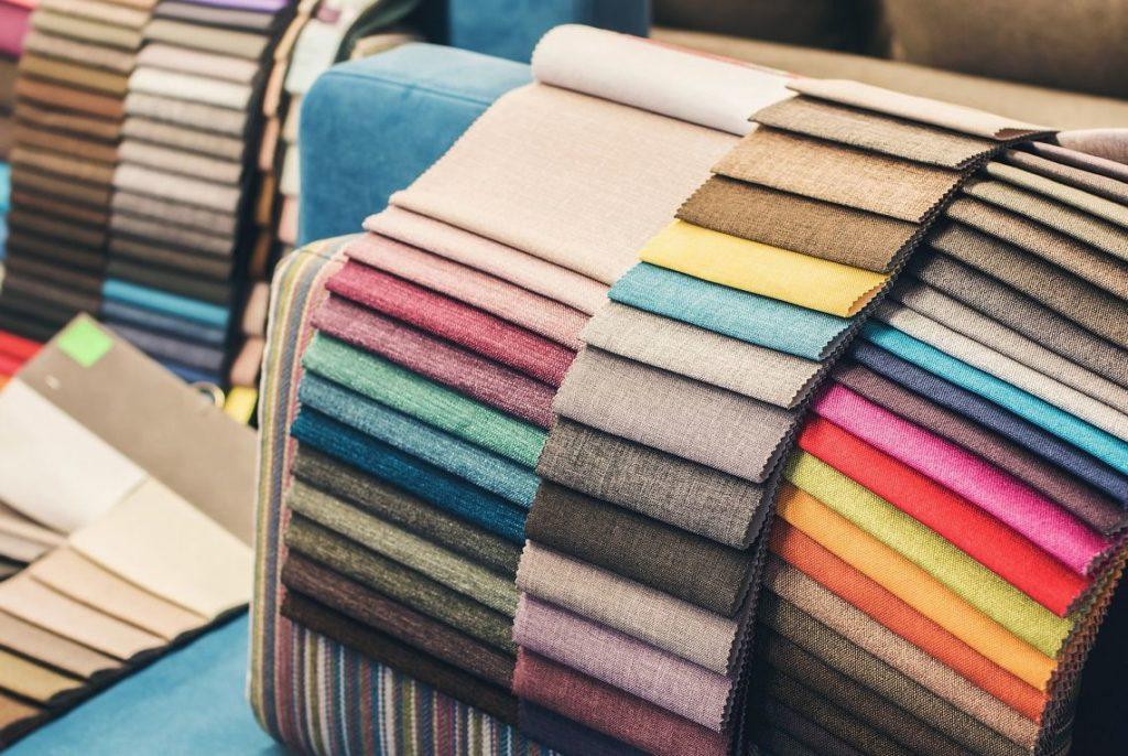 tkaniny natapicerkę