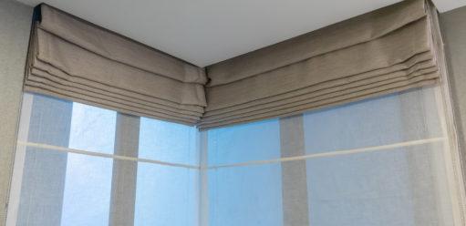 Rolety rzymskie – elegancka osłona okienna donowoczesnych wnętrz