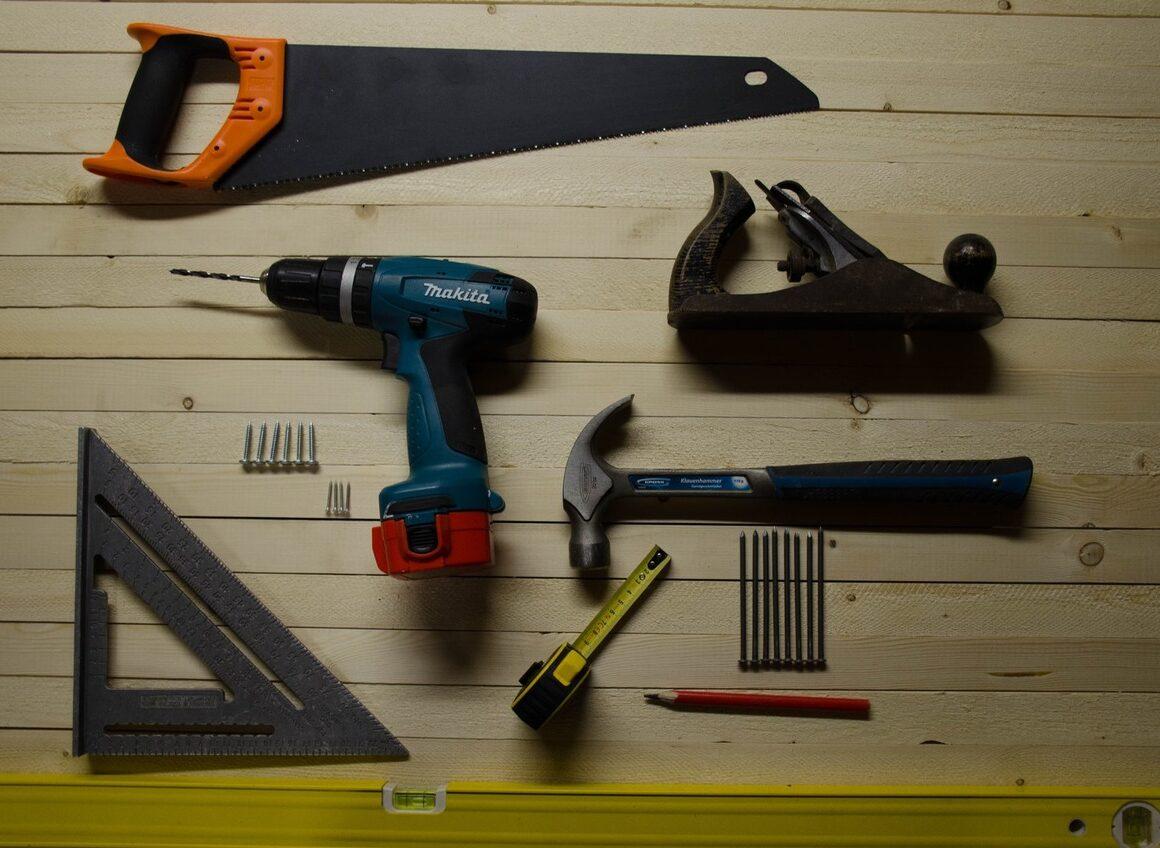 Kupujemy narzędzie wielofunkcyjne. Naco zwracać uwagę?