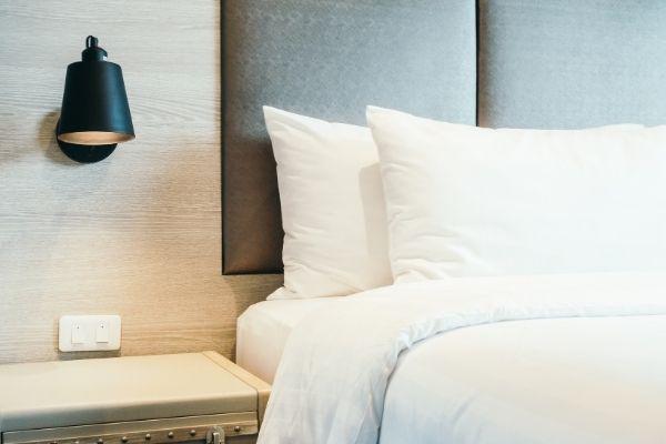Dobry sen dzięki dobrej poduszce, czyli jak wybrać idealny model