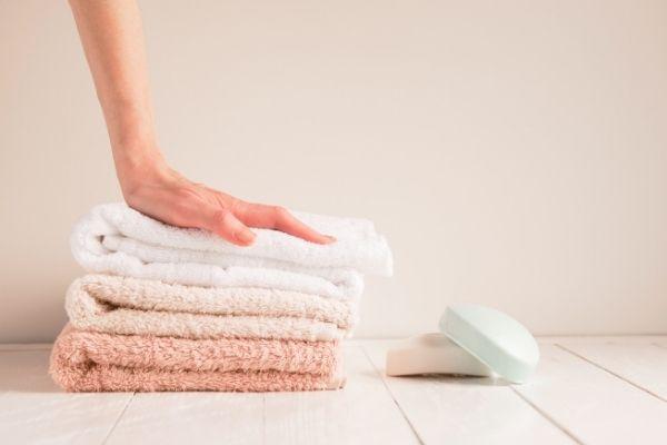 Ręczniki kąpielowe – wszystko, co musisz onich wiedzieć przedzakupem