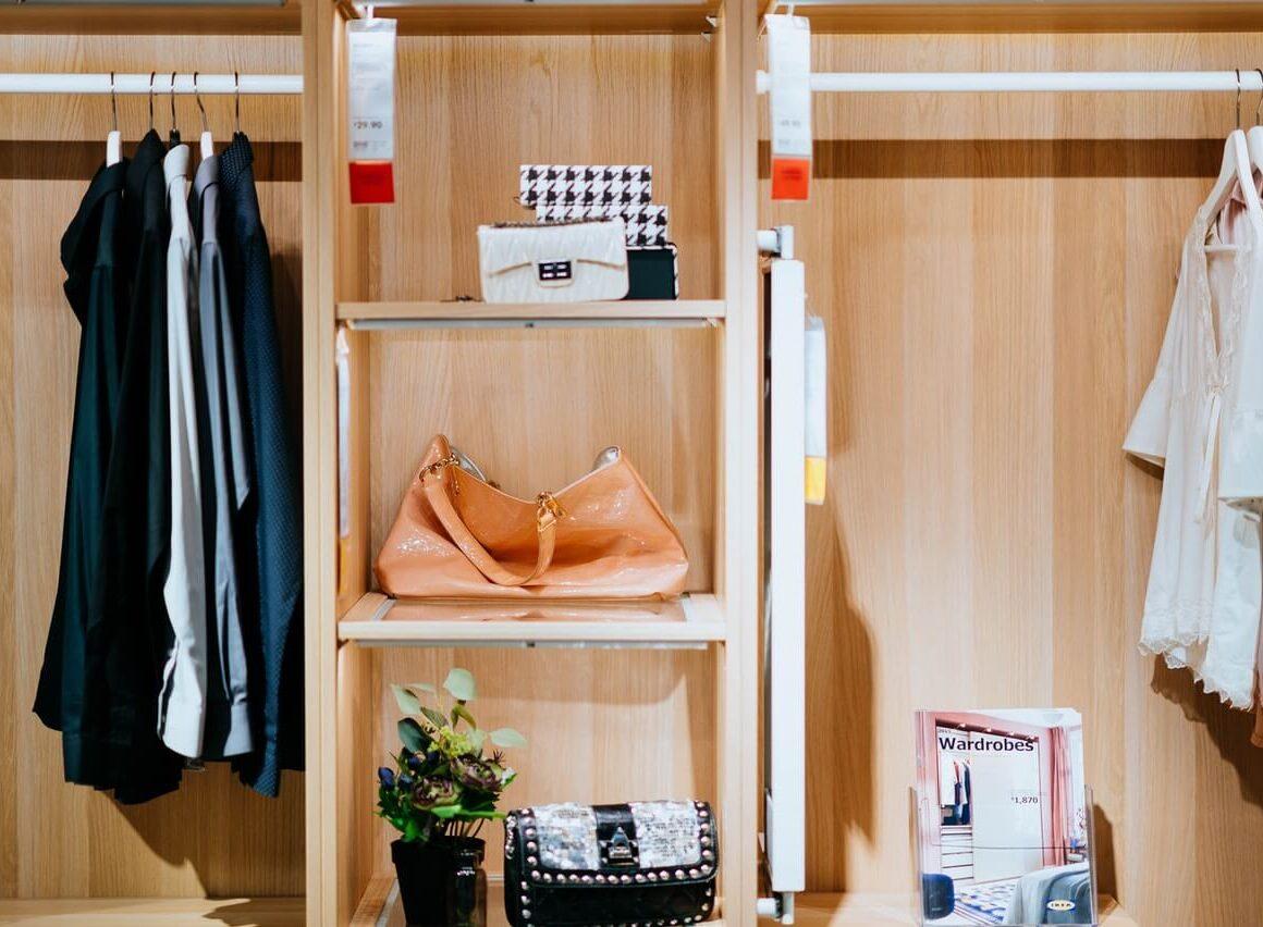 Jak wybrać szafę dosypialni?