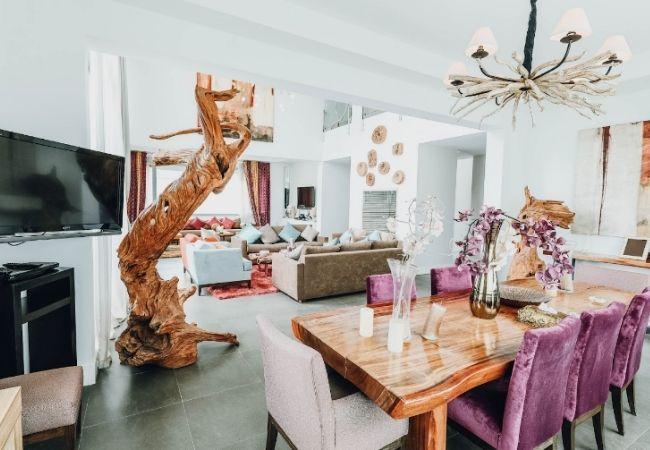stół drewniany dojadalni