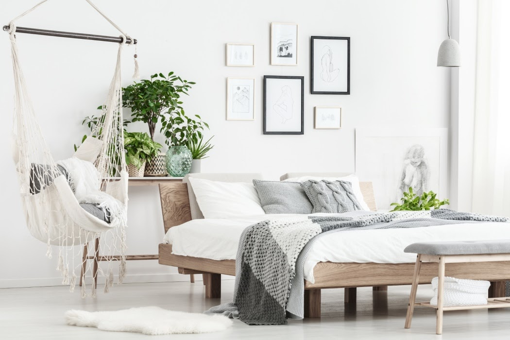 Co powiesić nadłóżkiem wsypialni?