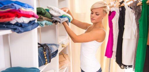 Porządki wszafie, czyli jak uporządkować szafę krok pokroku?