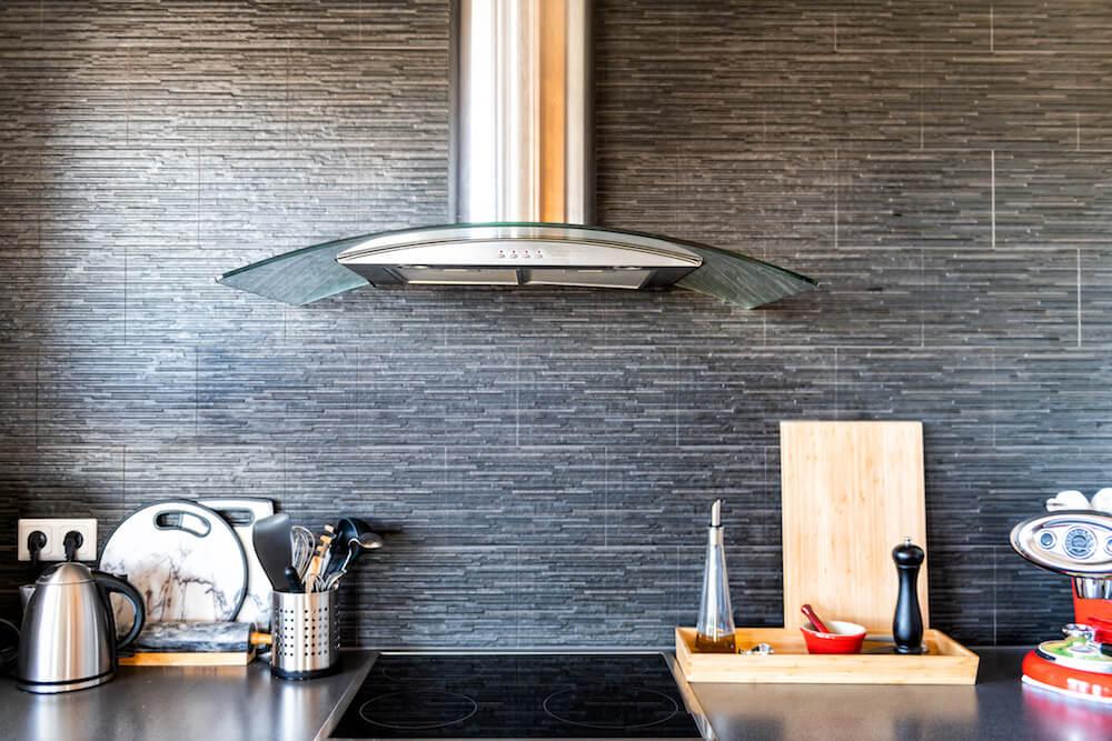 Okapy kuchenne – sprawdź najpopularniejsze rodzaje!
