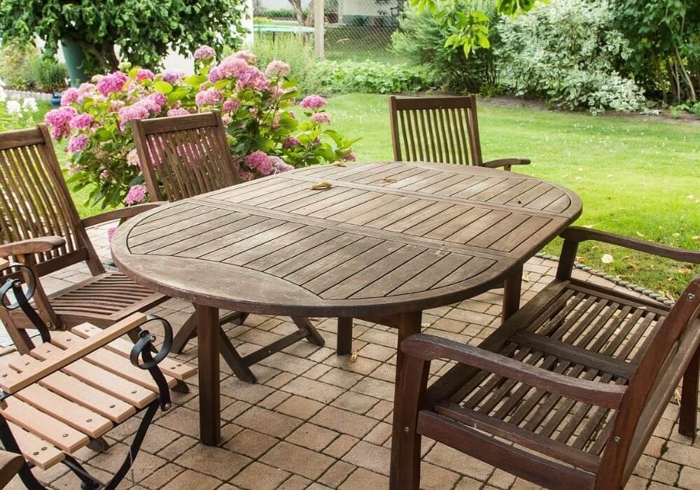 Krzesła ogrodowe – jak wybrać inaco uważać kupując meble ogrodowe?
