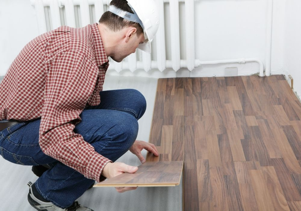 Dlaczego warto wybrać wielkoformatowe panele podłogowe?